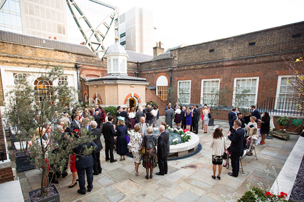 Drinks reception on the Rooftop Garden at Skinners Hall wedding venue in London | CHWV