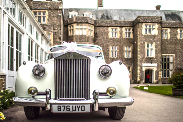 Wedding transport at Slindon House wedding venue in West Sussex | CHWV