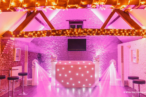 The dancefloor for the evening reception at Stratton Court Barn wedding venue in Oxfordshire | CHWV