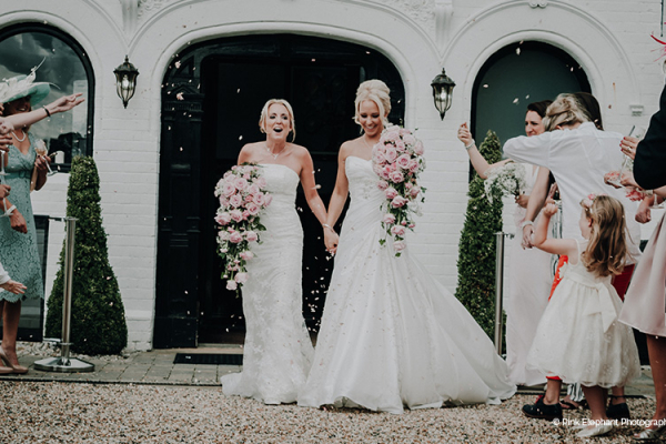 A happy couple just married at Swynford Manor wedding venue in Cambridgeshire | CHWV
