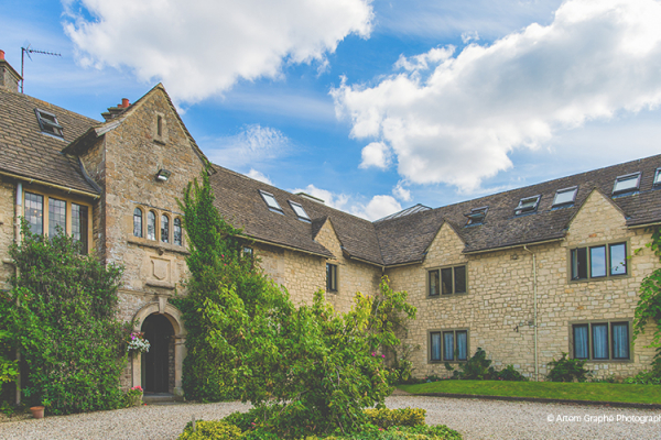 The courtyard at The Pear Tree wedding venue in Wiltshire | CHWV