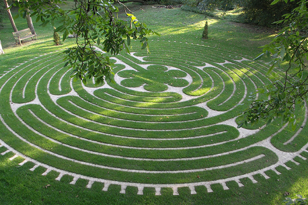 Labyrinth Gardens at Tofte Manor | Wedding Venues Bedfordshire