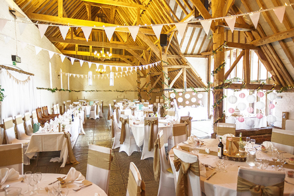 Set up for a wedding breakfast at Ufton Court barn wedding venue in Berkshire | CHWV