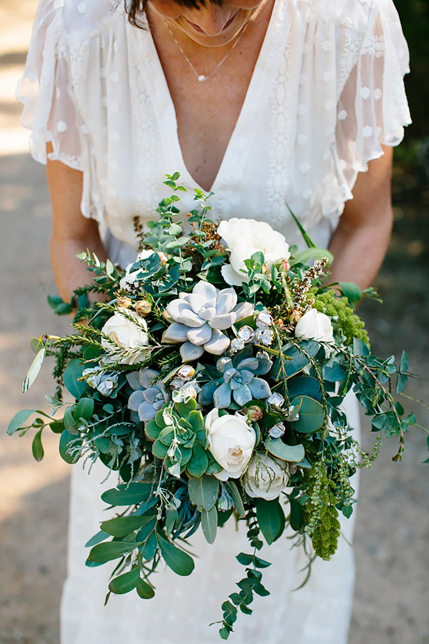 10 Ways To Use Succulents At Your Wedding - Bouquet | CHWV