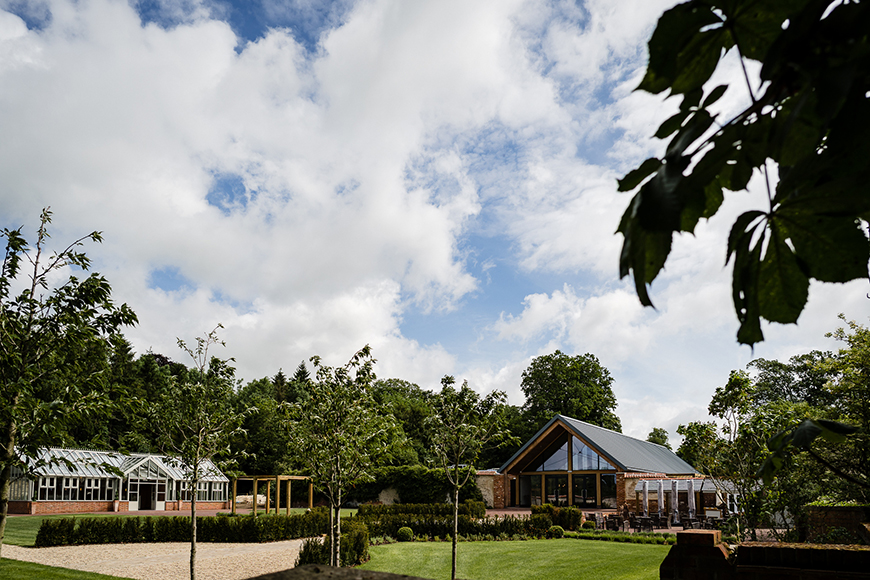 9 Garden Wedding Venues That Are Perfect For Summer - Syrencot | CHWV