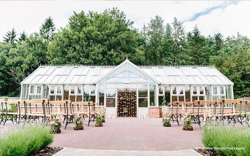 Barn Wedding Venue in Wiltshire   Syrencot   CHWV