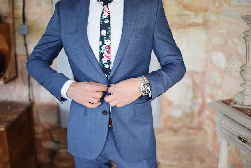 The Best Winter Wedding Suits - Accessories for winter wedding suits | CHWV