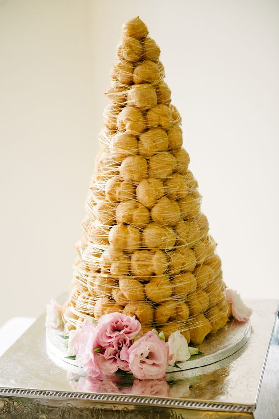 5 fantastic ideas for a French themed wedding - The cake | CHWV