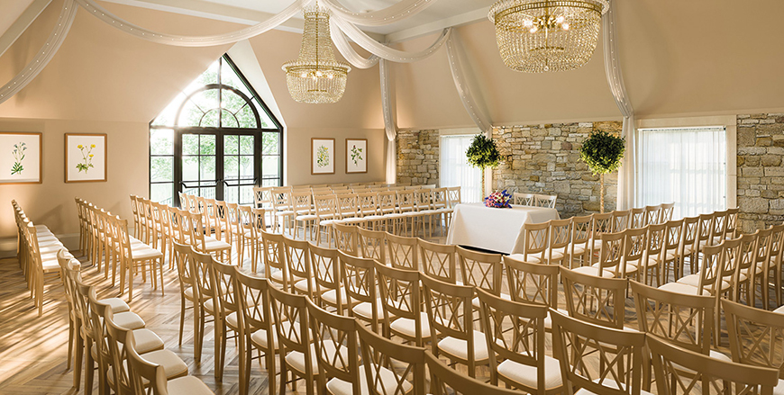 Perfect Wedding Venues For A Spring Wedding - The Pear Tree | CHWV