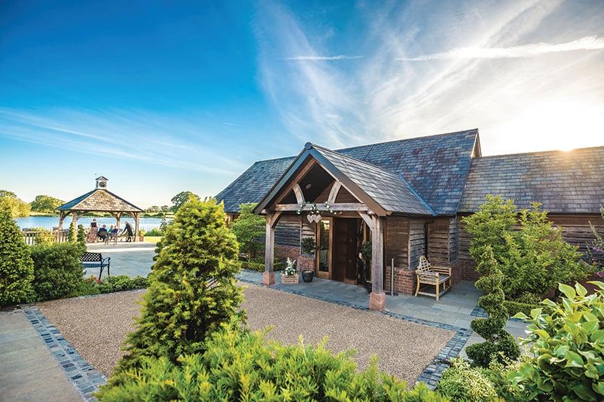 9 Unmissable Waterside Wedding Venues - Sandhole Oak Barn | CHWV