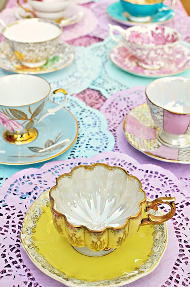 How to host a quintessentially English wedding afternoon tea party - Doilies | CHWV
