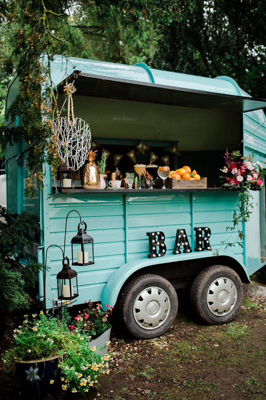 Wedding Drinks With A Difference - Outdoor bar | CHWV