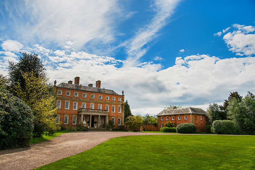 7 Stunning West Midlands Wedding Venues - Davenport House | CHWV