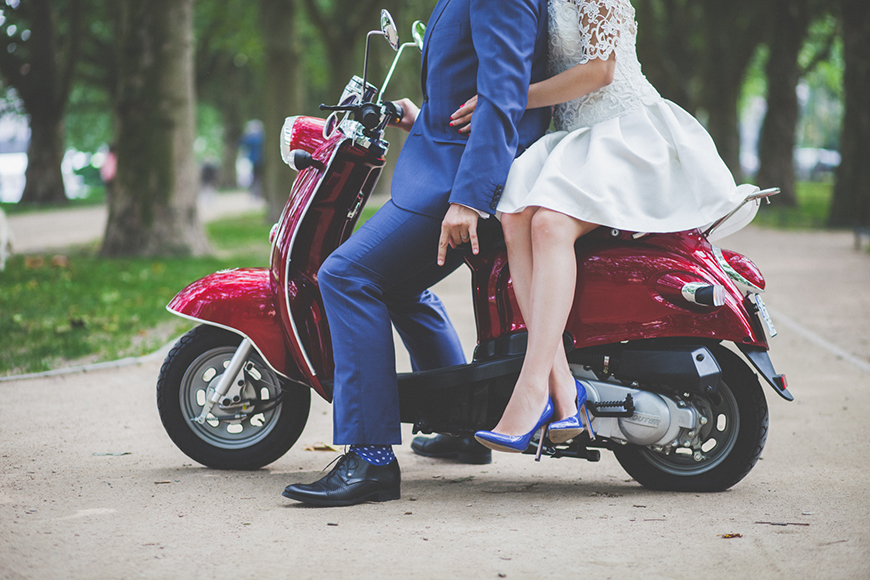Which Vintage Wedding Theme Is Right For you? - Swinging 60s wedding theme | CHWV