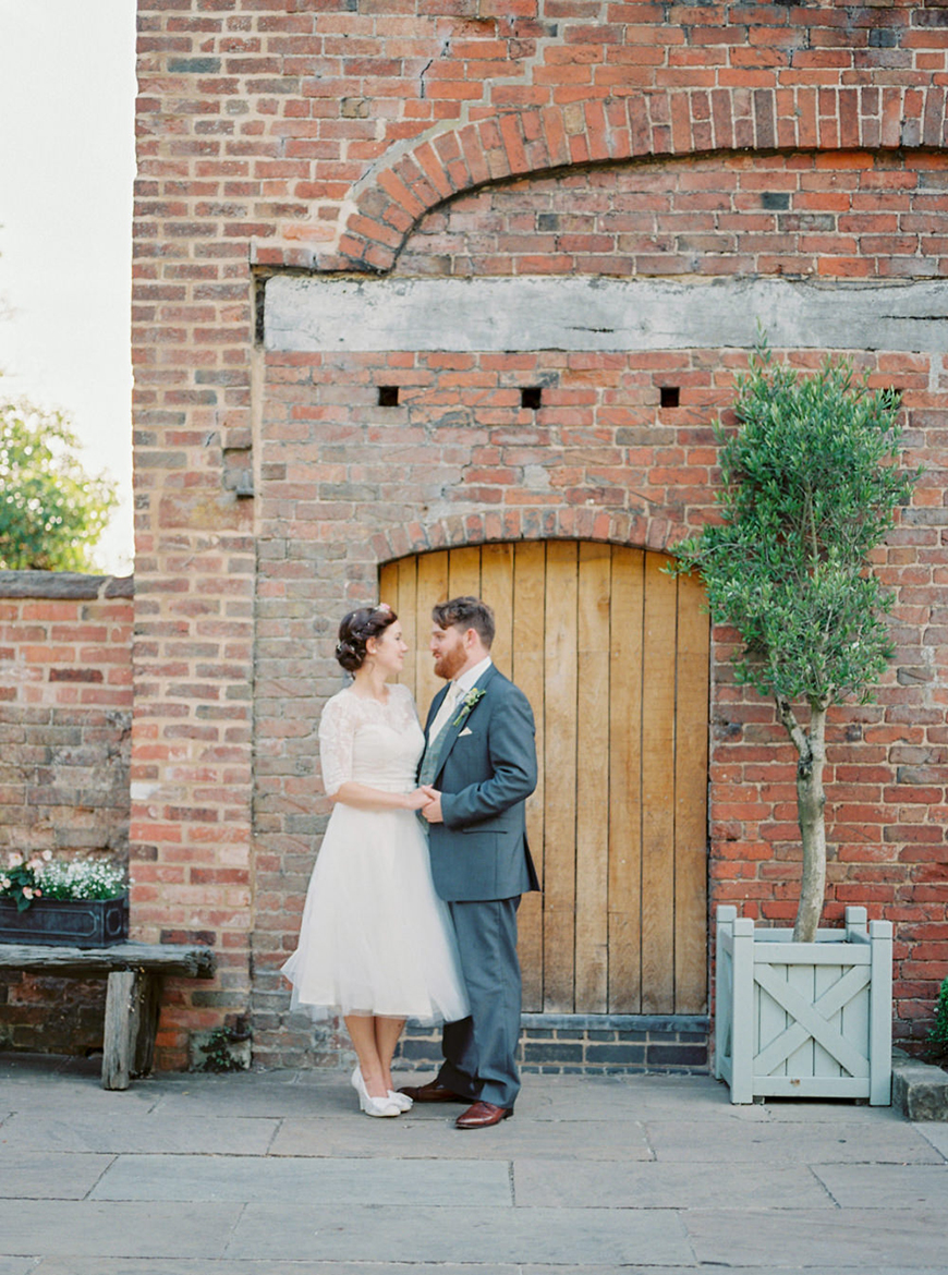 Which Vintage Wedding Theme Is Right For you? - 1940s wedding theme | CHWV