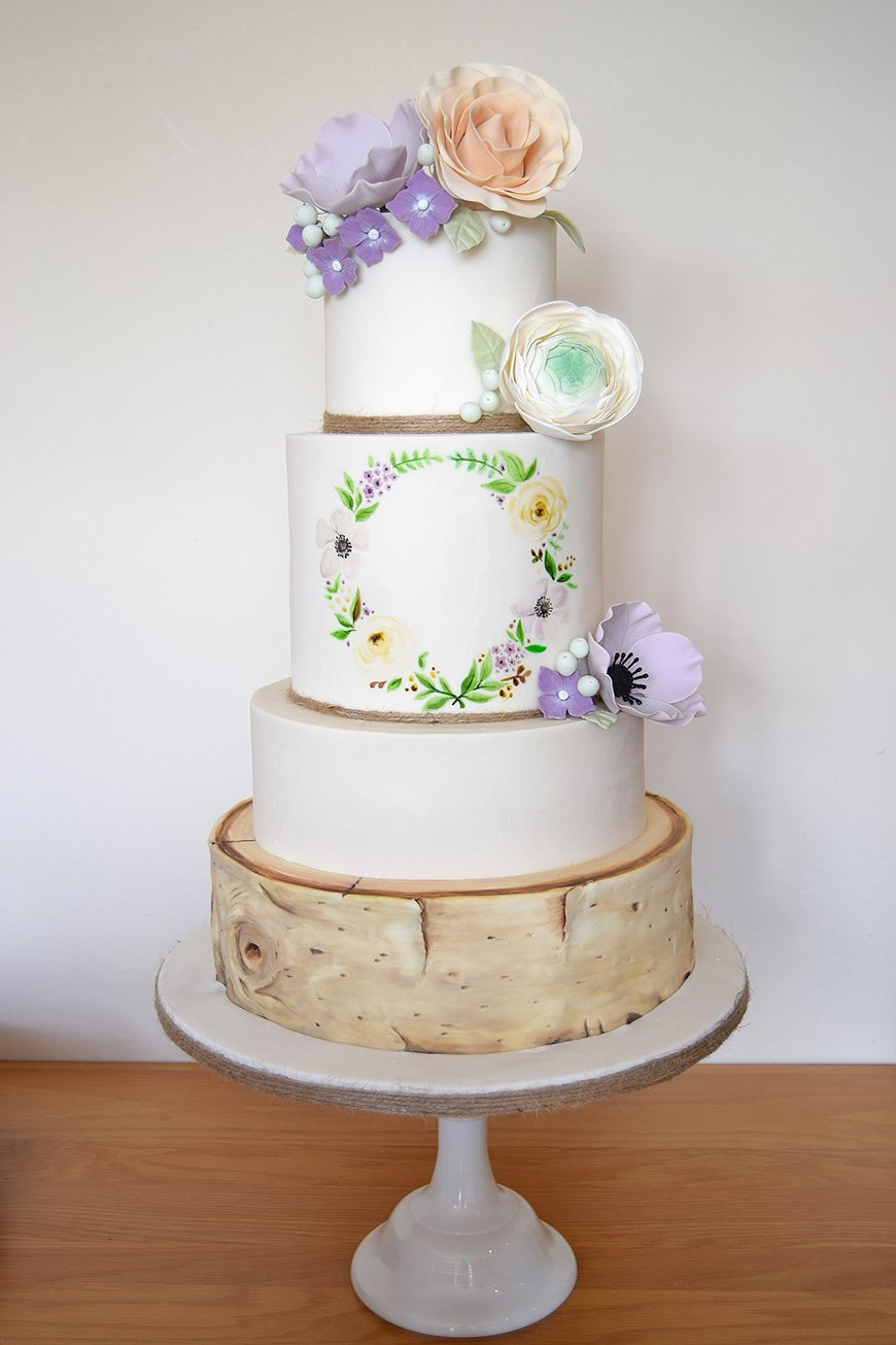 Wedding Ideas By Colour: White Wedding Cakes - A masterpiece | CHWV