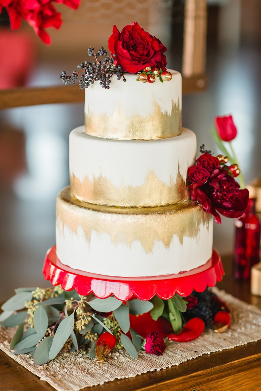 Wedding Ideas By Colour: Winter Wedding Colour Schemes - Red and gold | CHWV